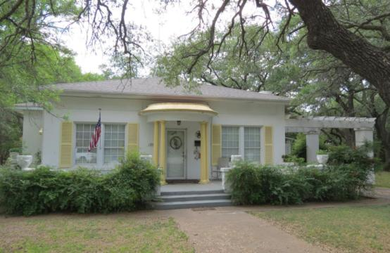 1300 Wall Street, Brady, Texas.  Spacious 1940&#8217&#x3B;s stucco home with large, beautiful backyard!
