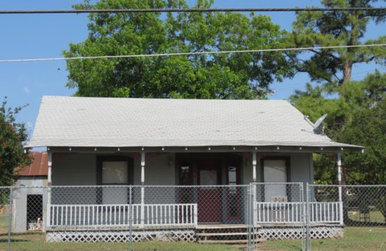 304 S. Ave. F Home, Mason, Texas